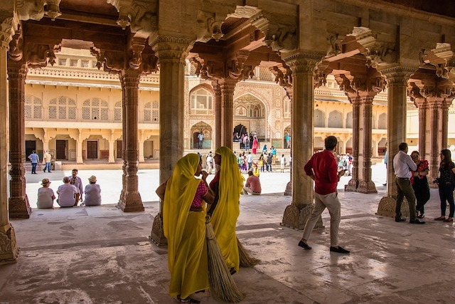 Tips for Women Travelers in India